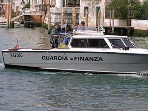 320px-Guardia_di_Finanza_Boat