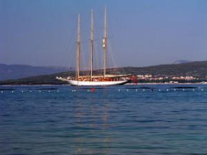 320px-Yacht_Punat
