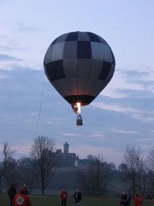 360px-Modelballoon